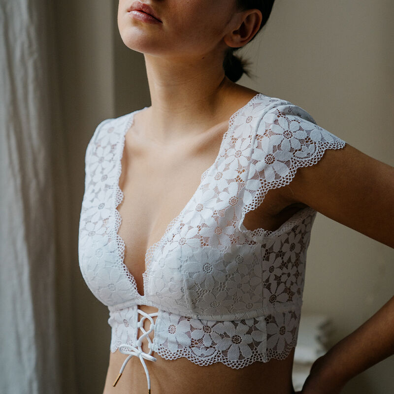 lace shoulder bra - white;
