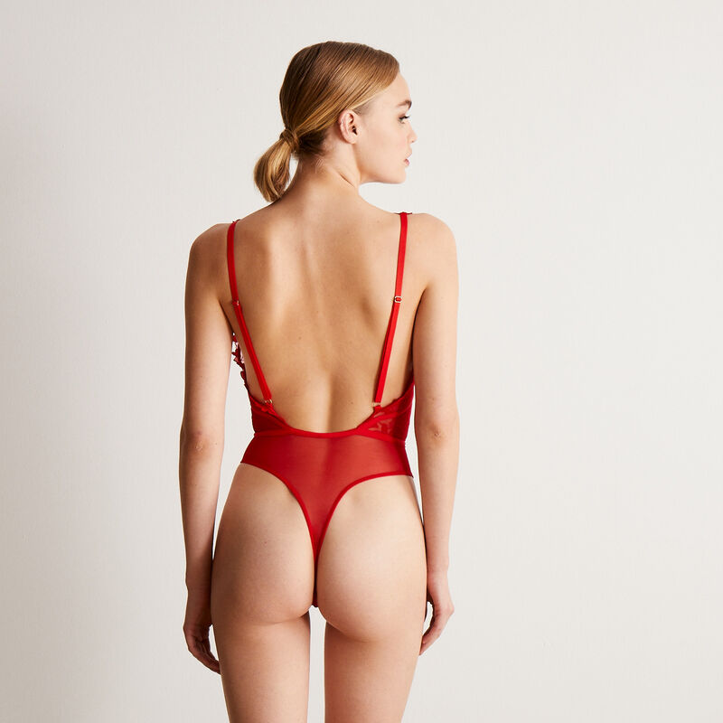 lace heart bodysuit with waist details - red;