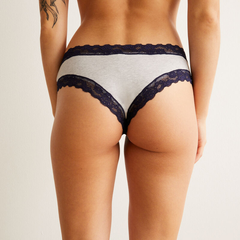 cotton shorty with lace details - grey ;
