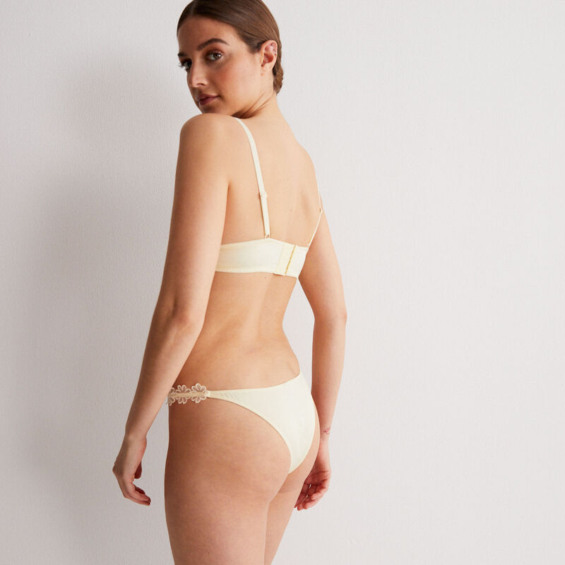 lace triangle bra without underwiring with flowery detail - off-white;