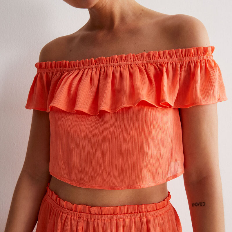 flowing ruffled top - red;