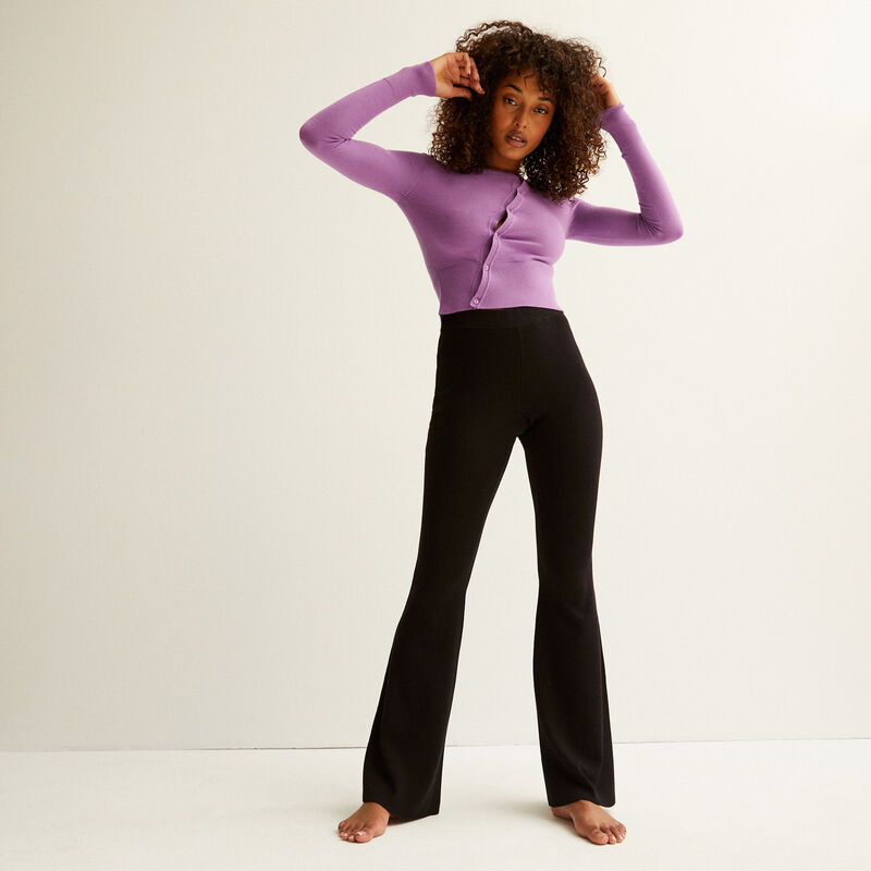 knitted flared trousers - black;