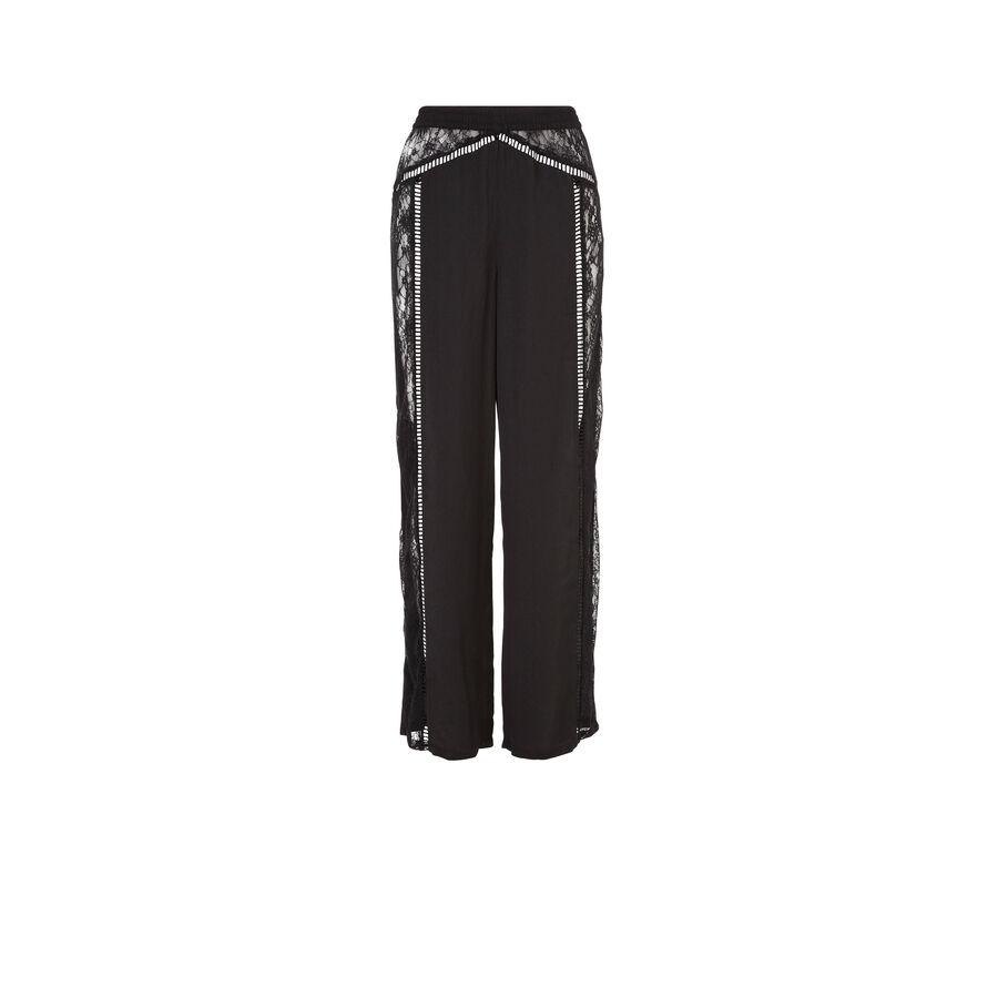 Black nightopiz pants;