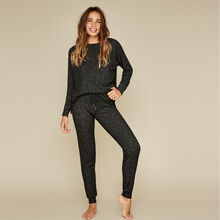 Black quodiz pants black.