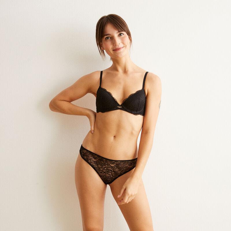 Everydayiz black push-up bra;