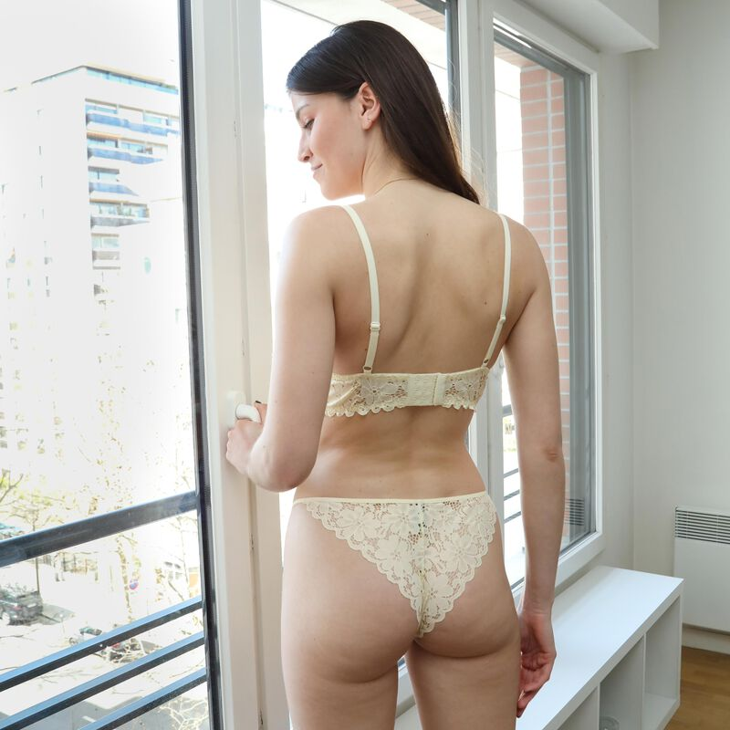 embroidered lace padded bra - off-white;