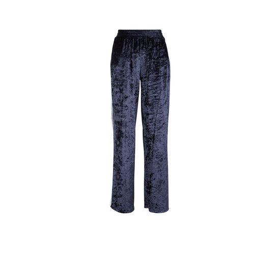 Velvissiz blue trousers;