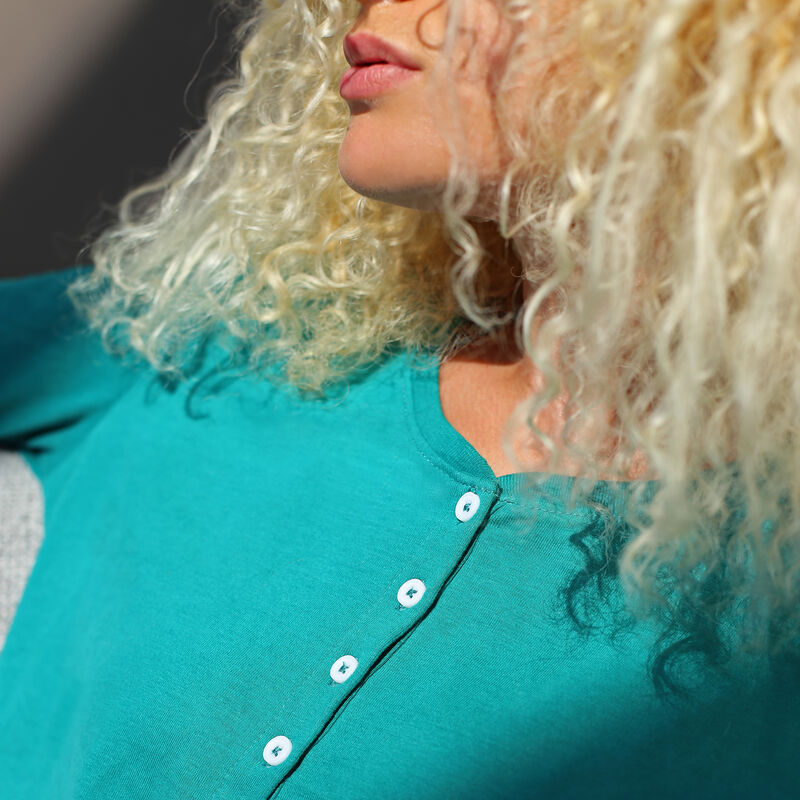 Long-sleeved plain top - green;
