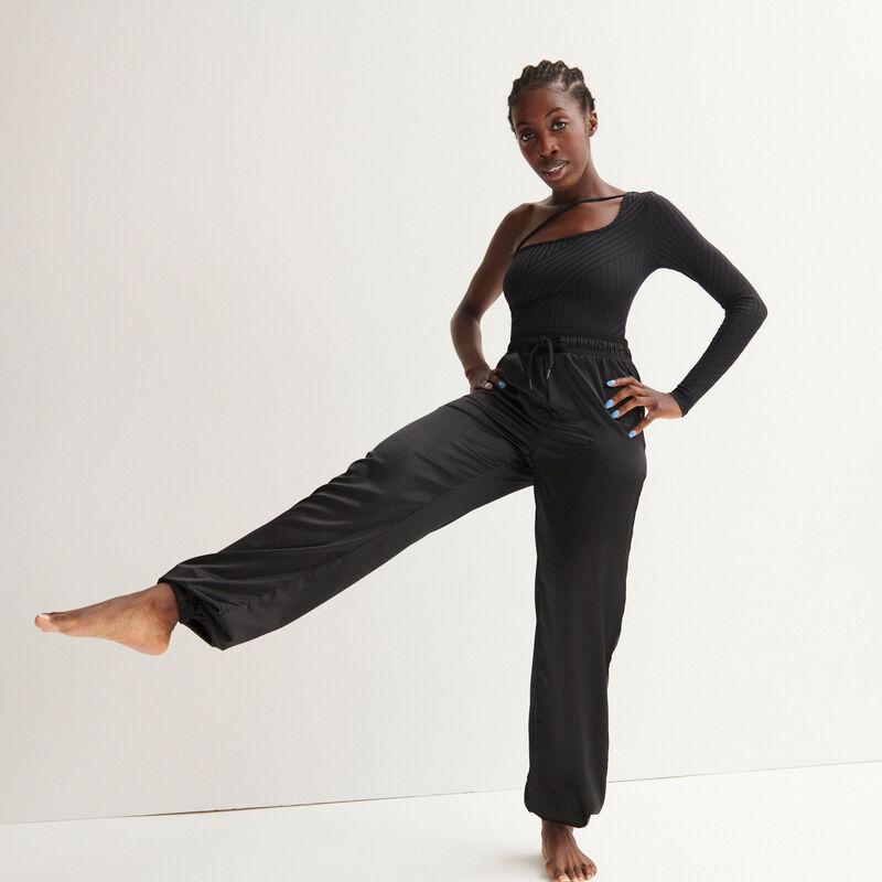 Aya x undiz satin jogging pants - black;