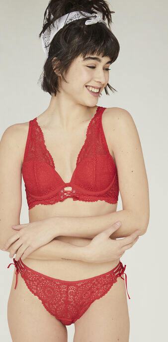 Phildelphiz red padded bra red.