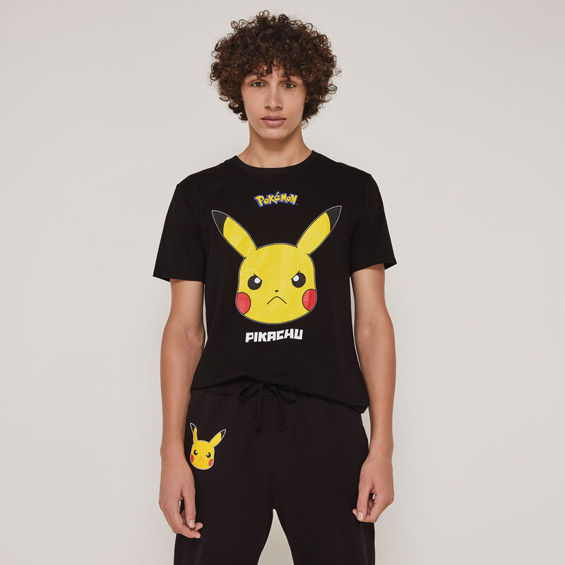 Pickabatiz Pikachu print top with short sleeves;