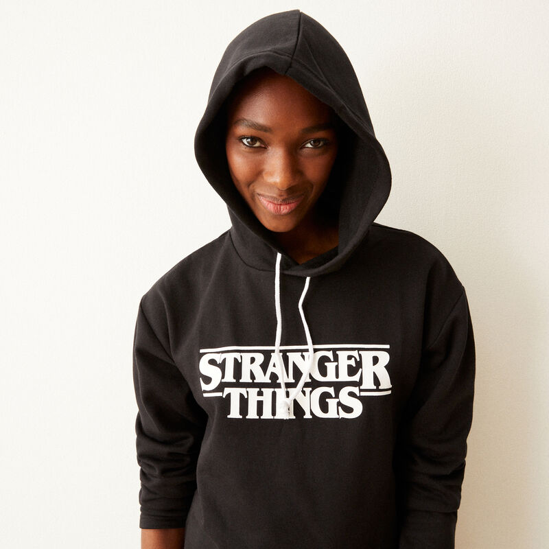 Stranger Things print hoodie - black;