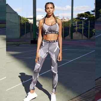 Fitnessiz black sports bra black.