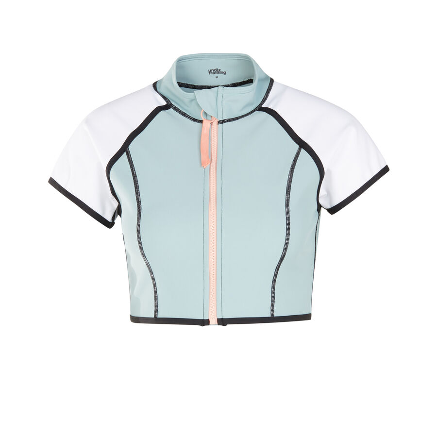 Beyoniz blue-grey top;