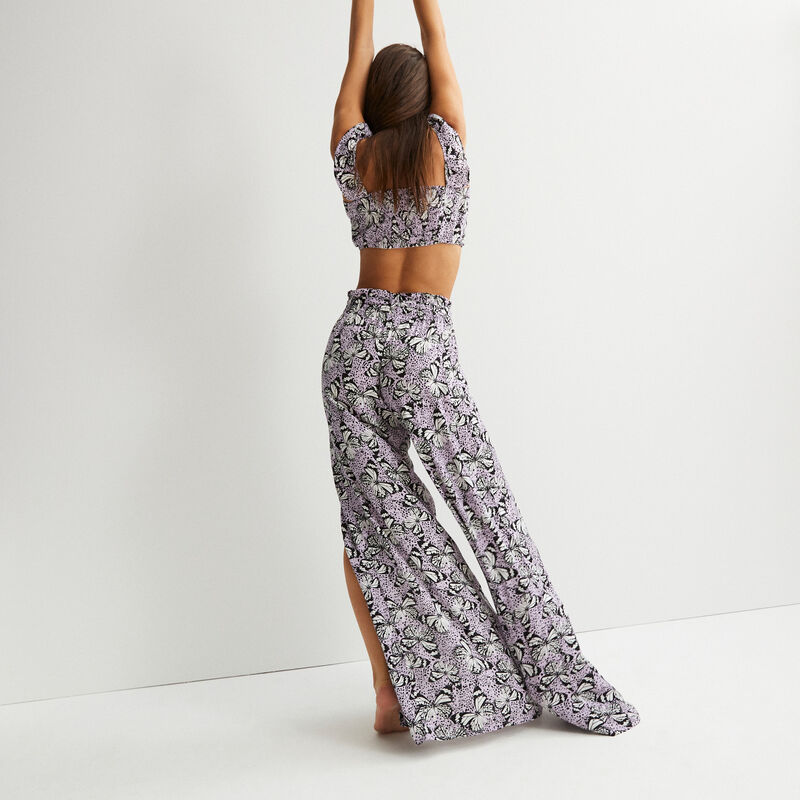 crop top with ruffled shoulders and butterfly design - lilac;