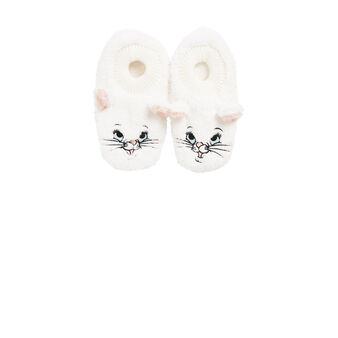 Noitiz beige slippers white.