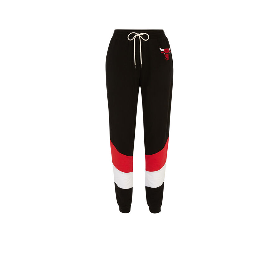 Michiganiz black jogging bottoms;