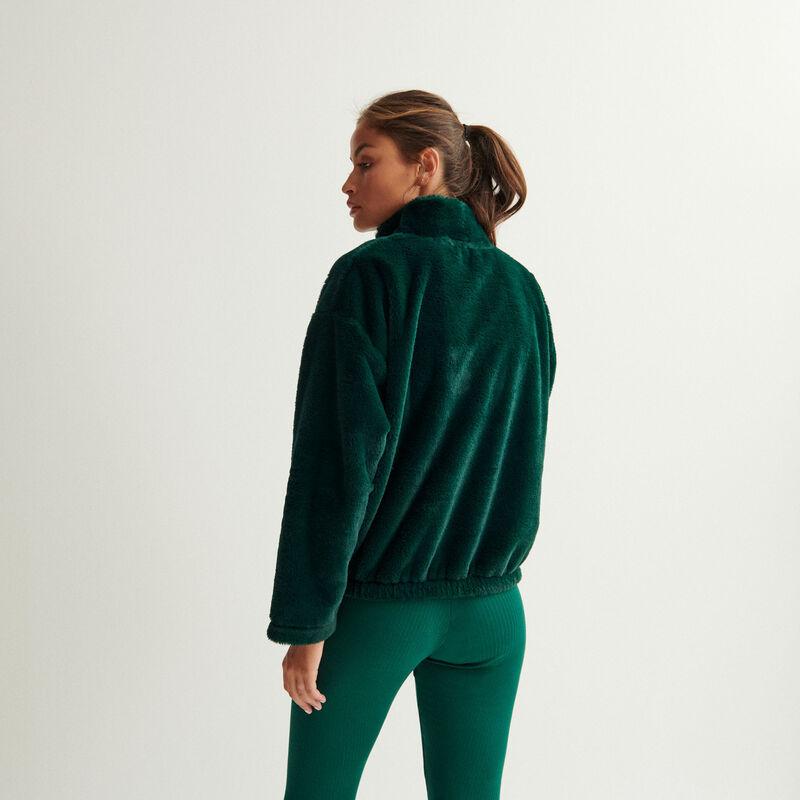 fleece - dark green;