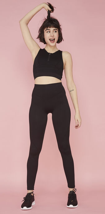 Workoutiz black crop top black.