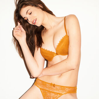 Basiciz camel bra brown.