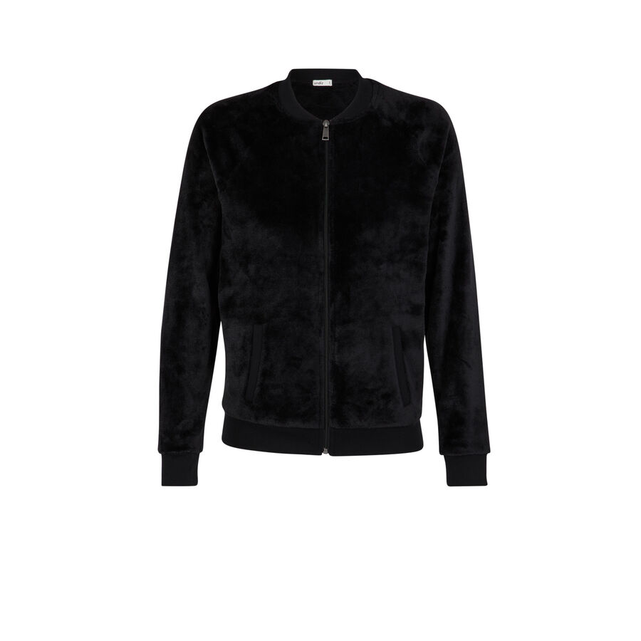 Black tutiliz jacket;