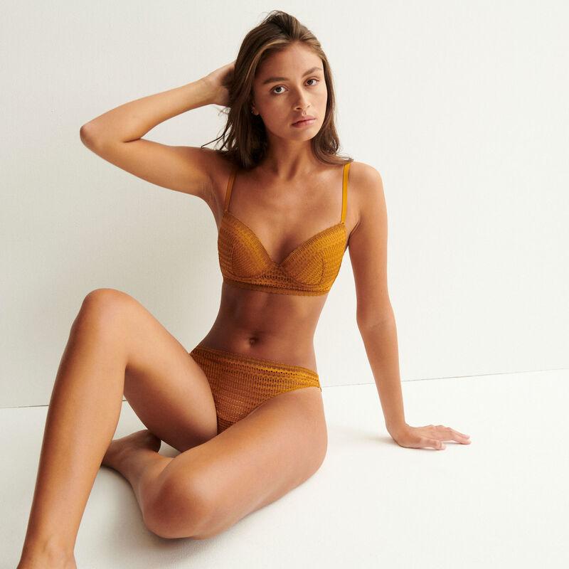 Fine lace cheeky panties - caramel;