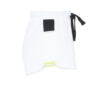 Shortmeshiz white shorts white.