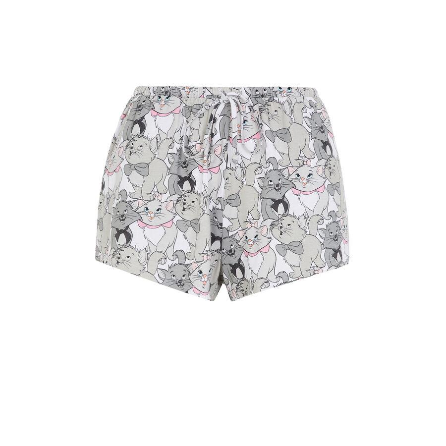 Maribisiz white shorts;