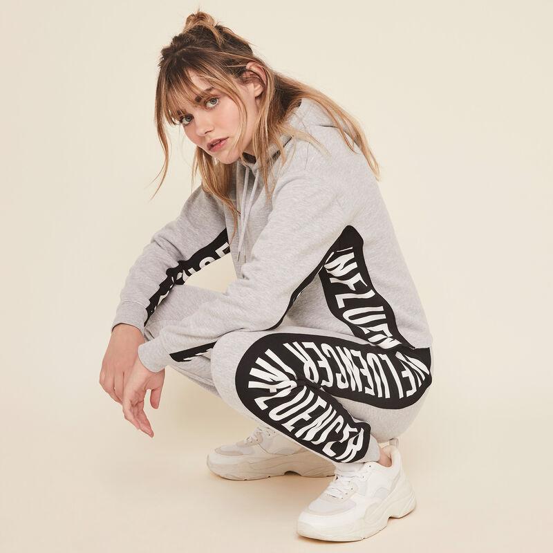 Hellovibiz sweatshirt with hood and bands on the side;