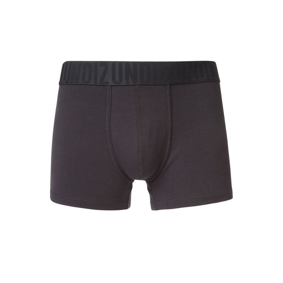 Oreliz black boxer shorts;