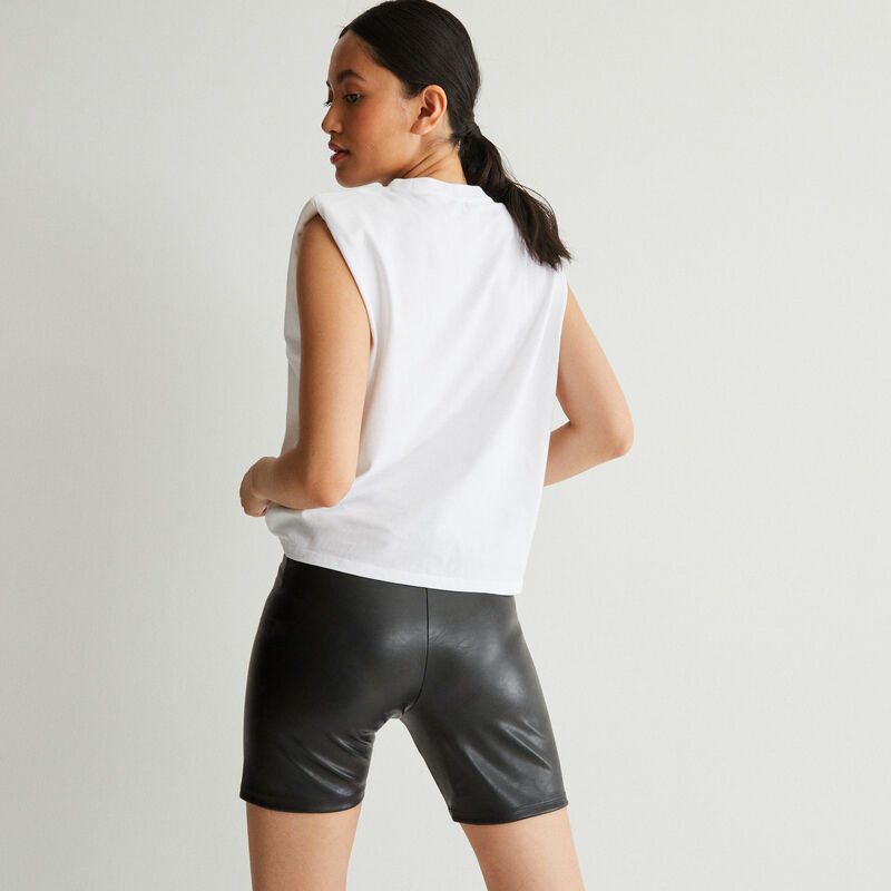 top with slogan and structured shoulders - white;
