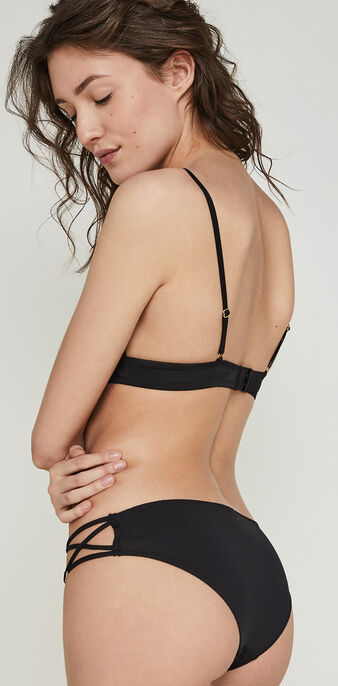 Blingbliz black triangle bra black.