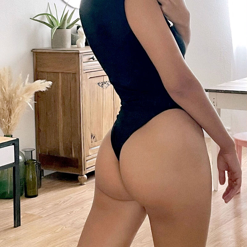 Top-effect body - black;