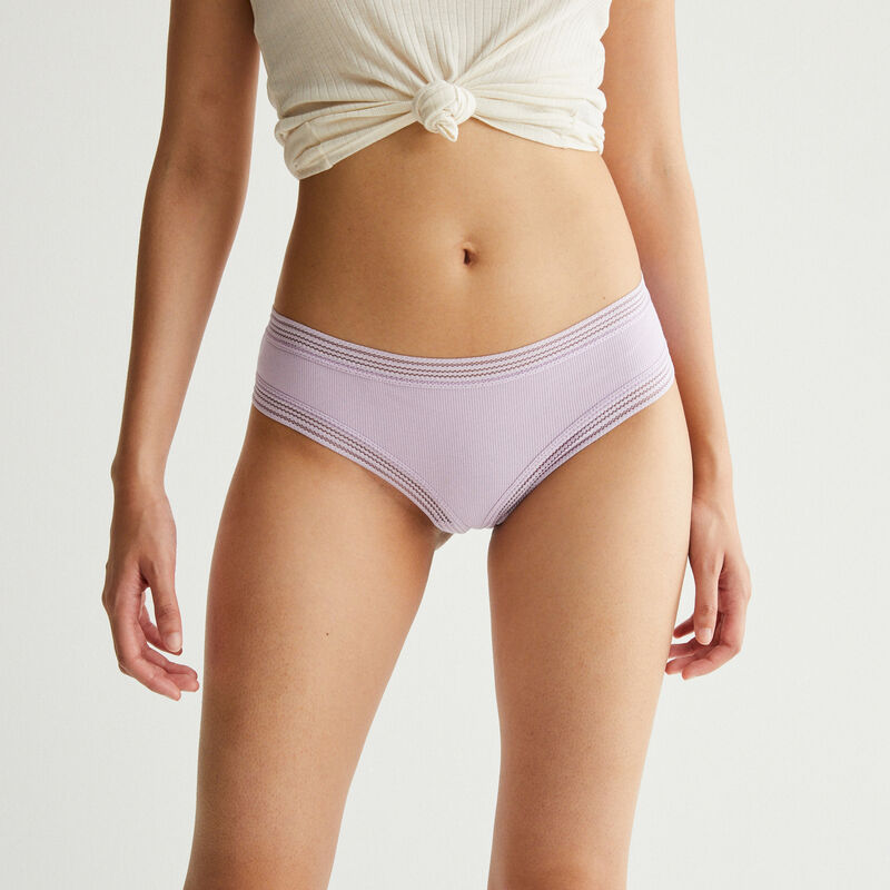shorty with lace edges - lilac;