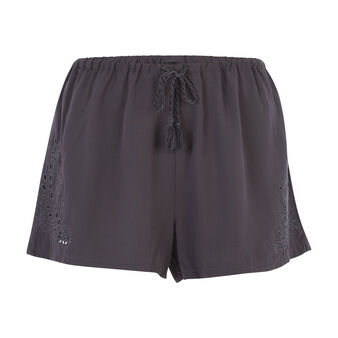 Richeliz black shorts black.