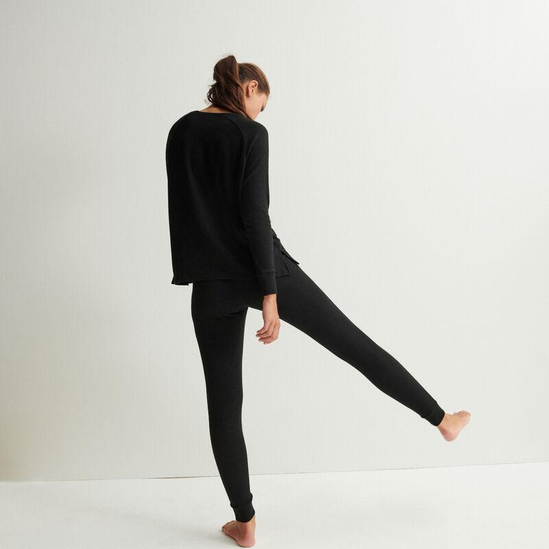 long-sleeve top - black;