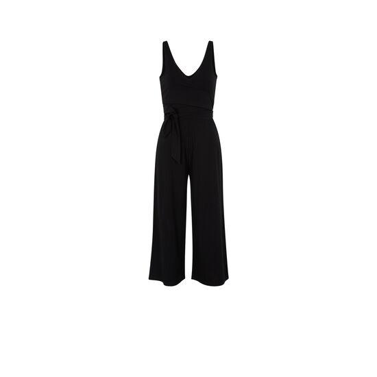 Newcroiseriz black jumpsuit;