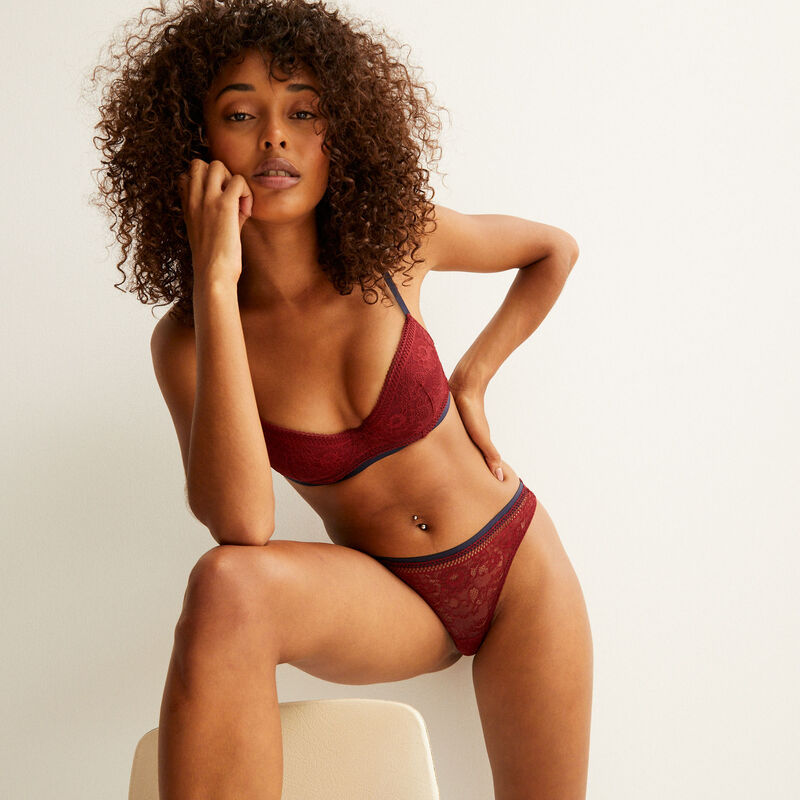 lace thong with bow - burgundy;