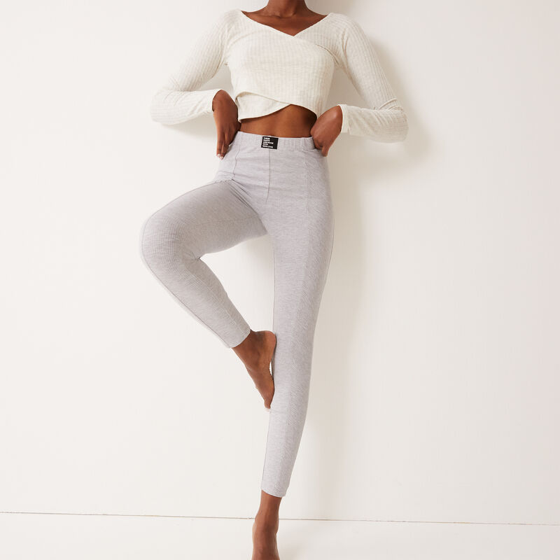 comfy leggings with 100% love slogan - light grey;