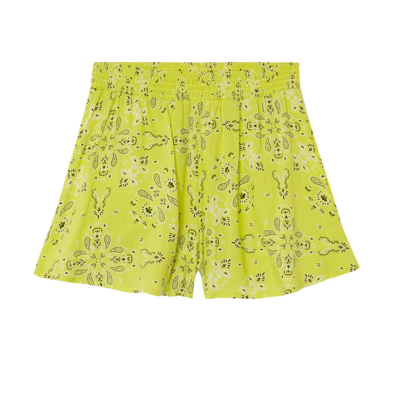 Flowing shorts with a gathered waist and bandana print - green;