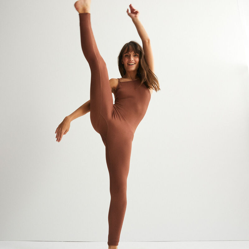 rib-knit jumpsuit - brown;