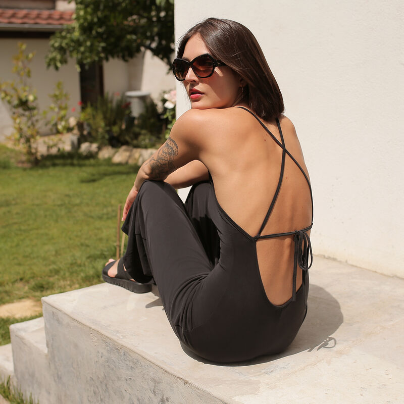 Open back jumpsuit - black;