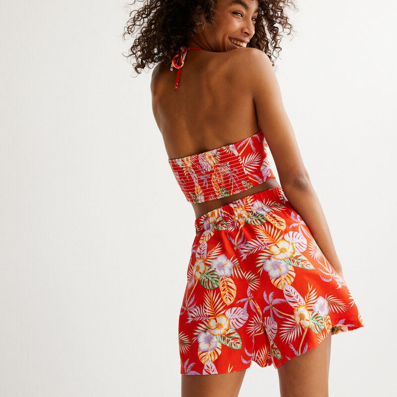 satin shorts with tropical flowers print - red;