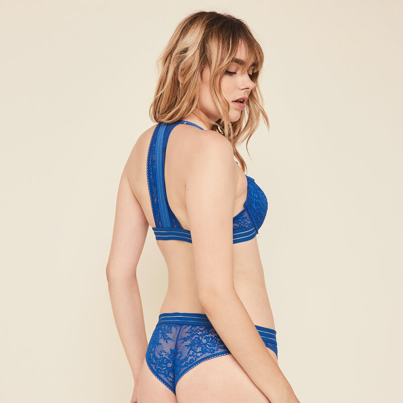 Coolgirliz lace padded bra with banding details.;