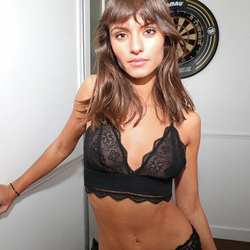 Triangle bustier bra with gold chain - black;