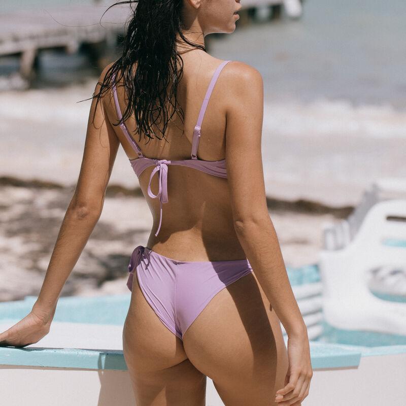push-up bikini top with twisted neckline - lilac;