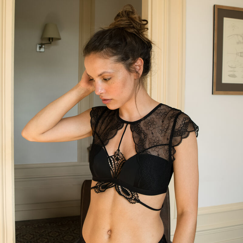lace bralette with tattoo effect - black;