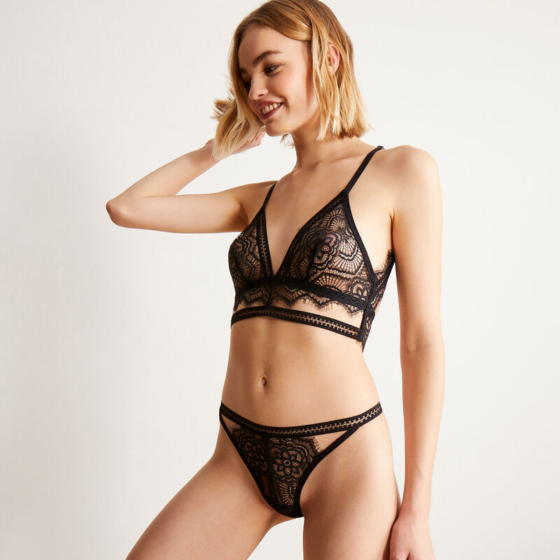openwork lace triangle bra without underwiring - black;