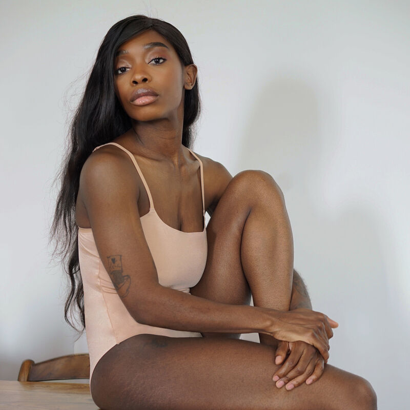 lace wireless body with spaghetti straps - beige;