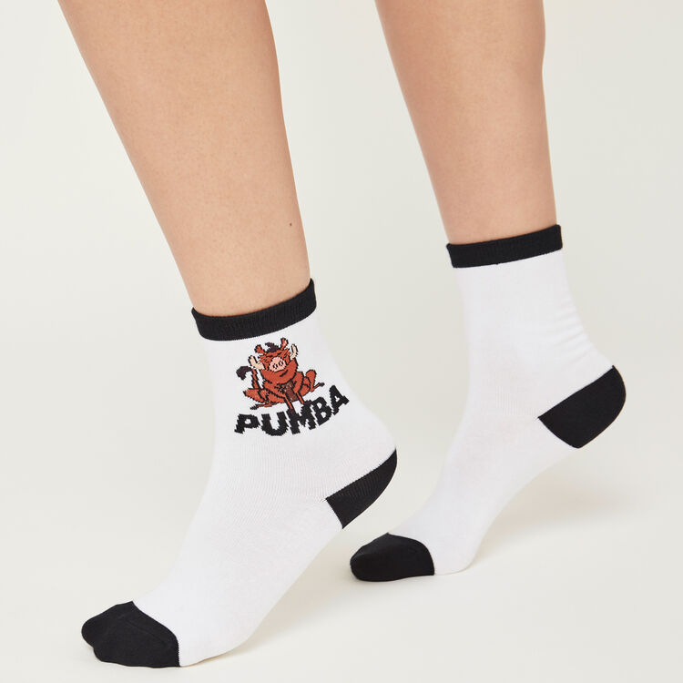 Pumiz white socks;